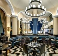 فندق ديوكس النخلة يقدم عشاءً مجانياً للأمهات في عيد الأم