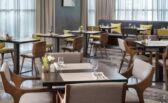مطعم سفن يقدم تجربة فريدة لأطباق بحرية كل اسبوع  بفندق كورت يارد الرياض