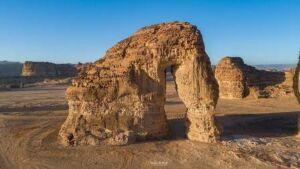 """""""جبل الفيل"""" من العجائب الجيولوجية في صحراء """"العُلا"""""""