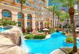 فندق الريتز-كارلتون، دبي يقدم للأمهات عرض السباحة والشاطئ مجاناً