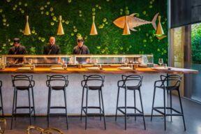 مطعم وبار 99 سوشي الشهير في دبي يقدم أطباقه عبر تطبيق دليڤرو